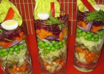 Salata ruseasca cu sos vinegrette sau tartar
