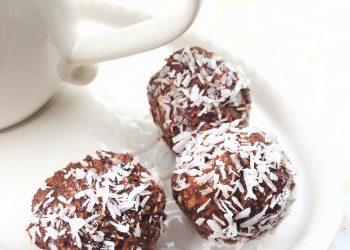 bilute de ciocolata cu cocos - sfatulparintilor.ro - pixabay_com - chocolate-balls-824638_1920