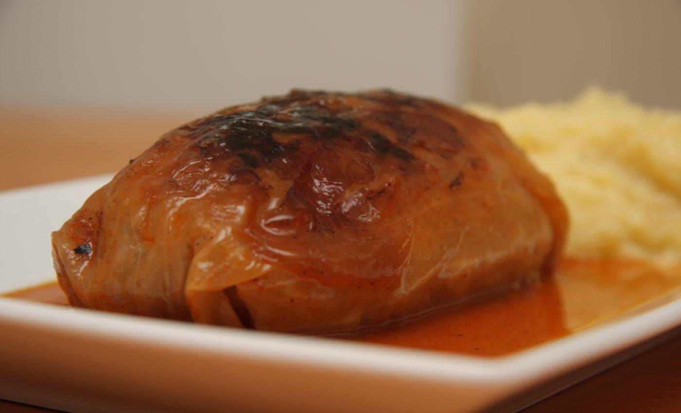 Sarmalute de vita si porc cu mamaliguta