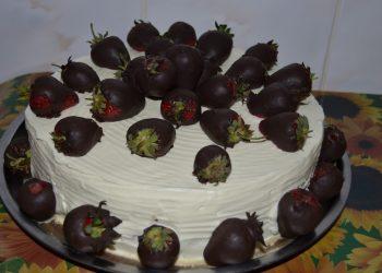 Tort capsuni bronzate