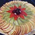 Tarta cu crema de branza si fructe