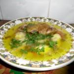 Supa de galuste cu carne de cocos de tara