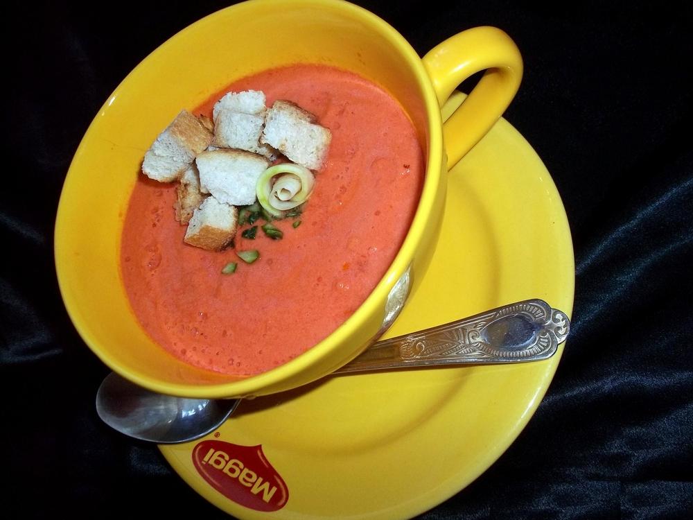 Supa de rosii cu crutoane