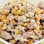 Gurmandino.ro: Salata rapida de ton cu porumb