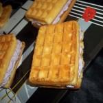 Waffles cu inghetata de afine
