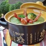 Supa crema de broccoli cu sticksuri de bacon
