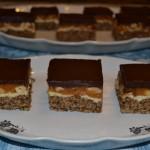 Prajitura cu alune si crema caramel (snikers de casa)