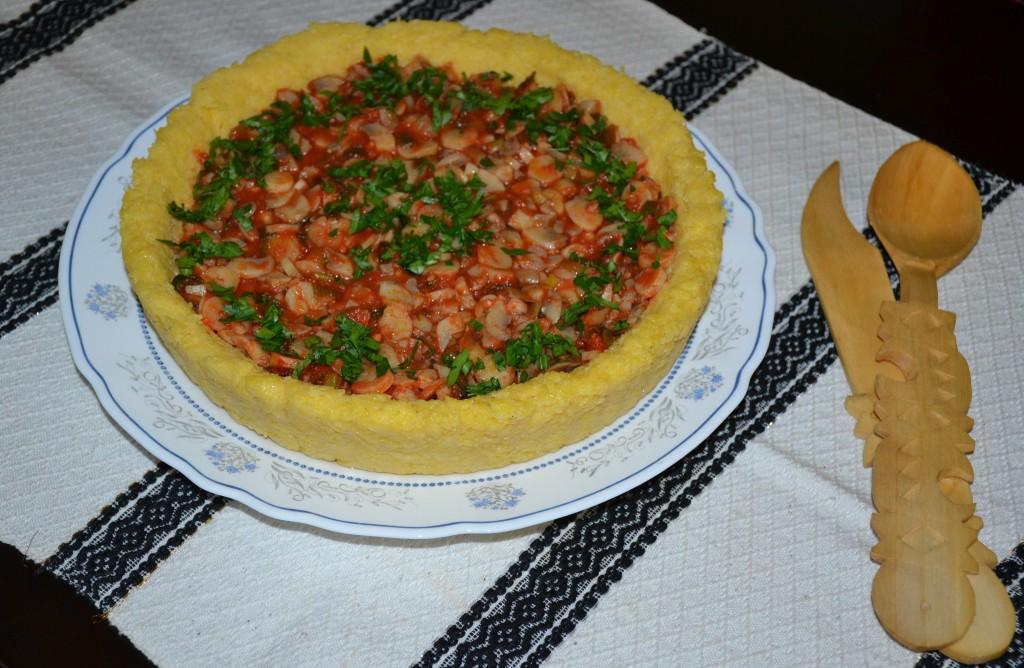 Tocanita de ciuperci in crusta de mamaliga