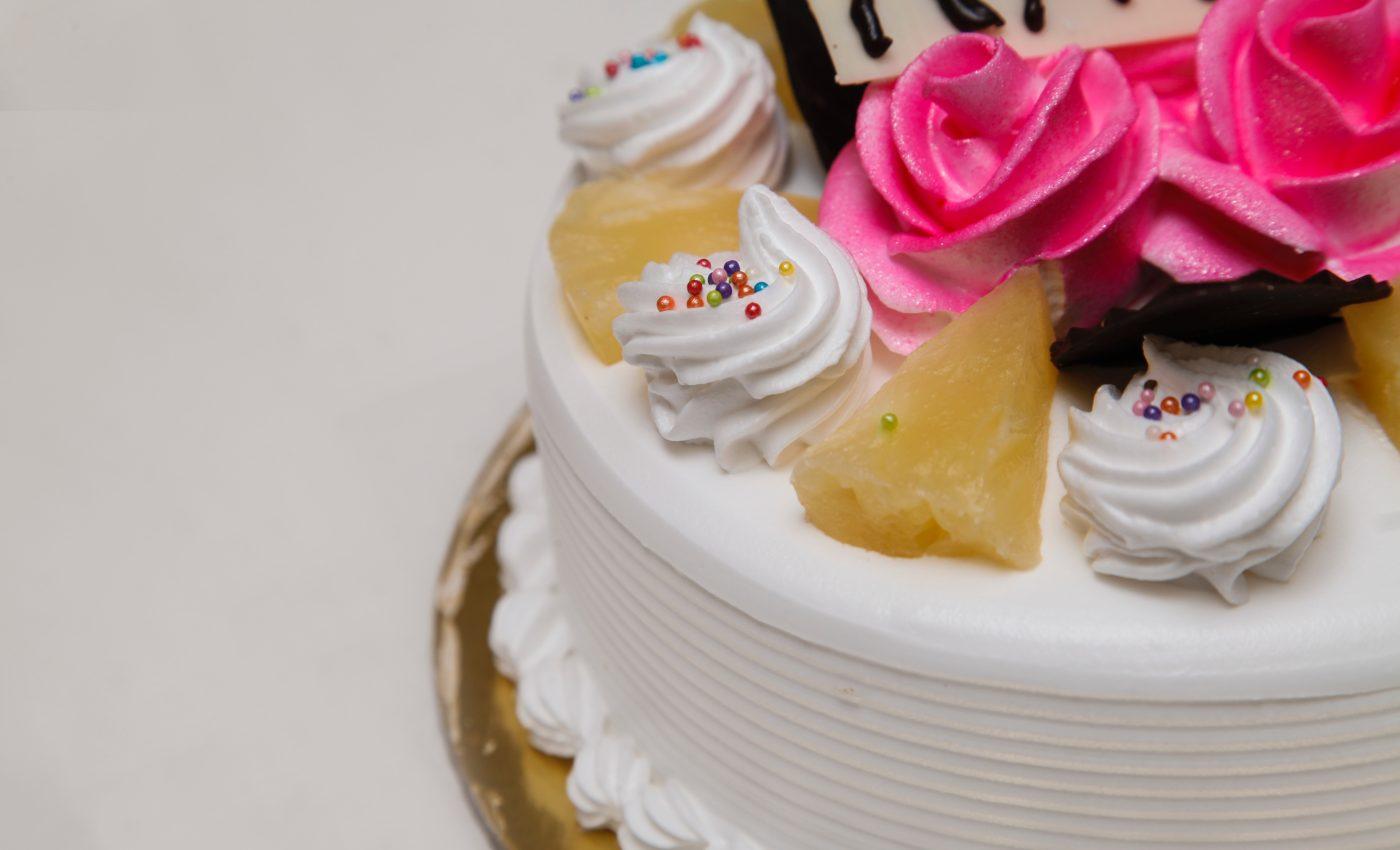 Tort festiv cu fructe