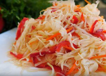 Salata de varza cu sos de rosii