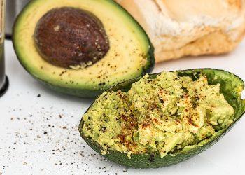 guacamole - sfatulparintilor.ro - pixabay_com - avocado-829092_1920