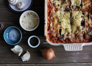 Cannelloni cu carne de curcan in sos tomat - sfatulparintilor.ro -skyla-design-WpnGOZ3C5uU-unsplash