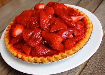 Tarta cu fructe si crema de vanilie - sfatulparintilor.ro - pexels_com - baking-berries-berry-775583
