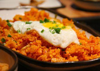 Orez cu legume - sfatulparintilor.ro - pixabay_com - kimchi-fried-rice-g85e792b24_1920