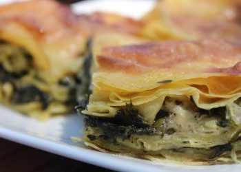 burek cu spanac - sfatulparintilor.ro - pixabay_com - turkish-food-1379215_1920