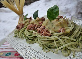 Spaghete Carbonara cu spanac si carne tocata