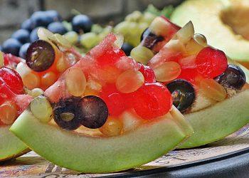 Pepene galben cu fructe in aspic