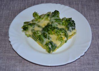 Broccoli cu fasole verde la cuptor