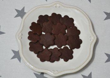 Biscuiti cu unt si cacao