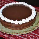 Tort cu crema de afine, caise si ciocolata