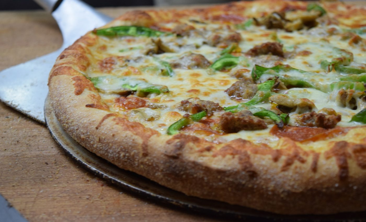 Pizza cu sunca si oregano - sfatulparintilor.ro - pixabay+com - pizza-3716966_1920