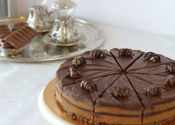 tort amandina - sfatulparintilor.ro - pixabay_com - bakery-5203442_1920