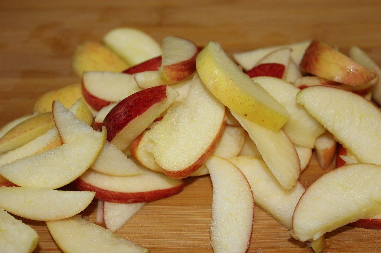 mere condimentate - sfatulparintilor.ro - pixabay_com - apple-83160_1280