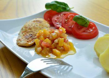 Piept de pui cu legume la aburi - sfatulparintilor.ro - pixabay_com - barbecue-side-dish-2312165_1920