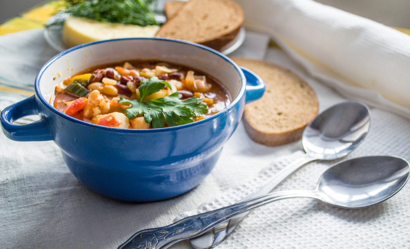 ciorba de fasole - sfatulparintilor.ro - pexels-com - bowl-cuisine-delicious-1703272