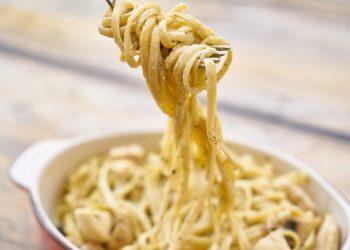 Paste cu branza de capra la cuptor - sfatulparintilor.ro - pexels -com - close-up-photography-of-pasta-with-white-sauce-2703468