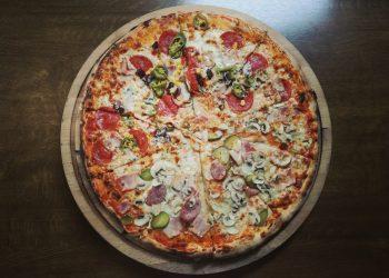 pizza taraneasca - sfatulparintilor.ro - pexels_com - cheese-close-up-crust-803290