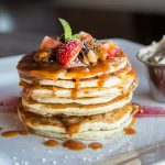Retete pentru copii: Clatite americane cu sos de mere si dovleac