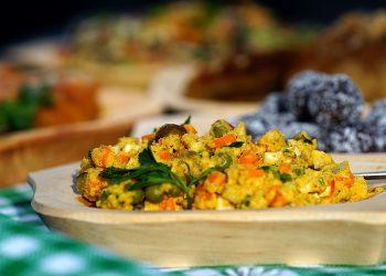 Salata de boeuf - sfatulparintilor.ro - pixabay_com - beef-salad-without-the-beef-2686128_1920