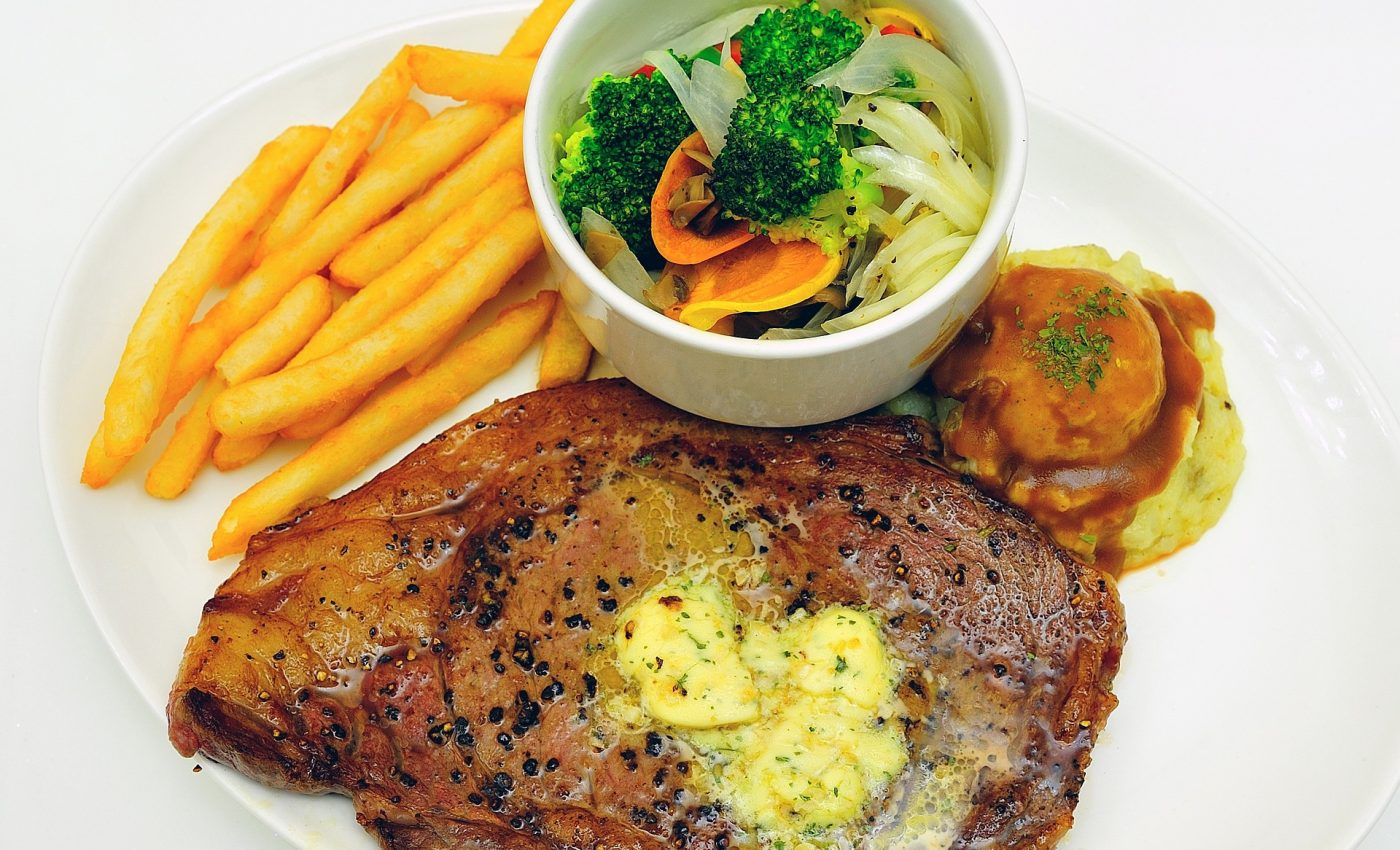Friptura de porc la cuptor cu zeama de lamaie si de portocala - sfatulparintilor.ro - pixabay_com - food-826741_1920