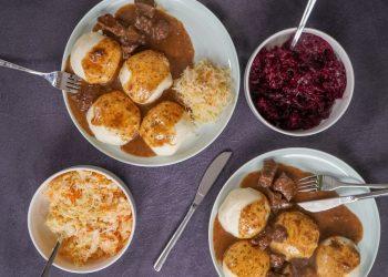 Gulas cu carne de porc - sfatulparintilor.ro - karolina-kolodziejczak-0dD78weVWpg-unsplash