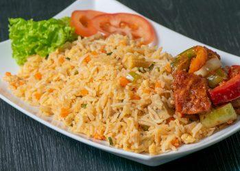 Orez cu legume - sfatulparintilor.ro - pixabay_com - fried-rice-6297406_1920