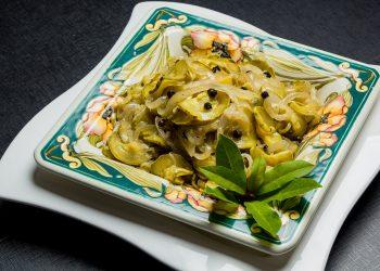 Salata verde cu dovlecel - sfatulparintilor.ro - pixabay_com - onion-4457144_1920
