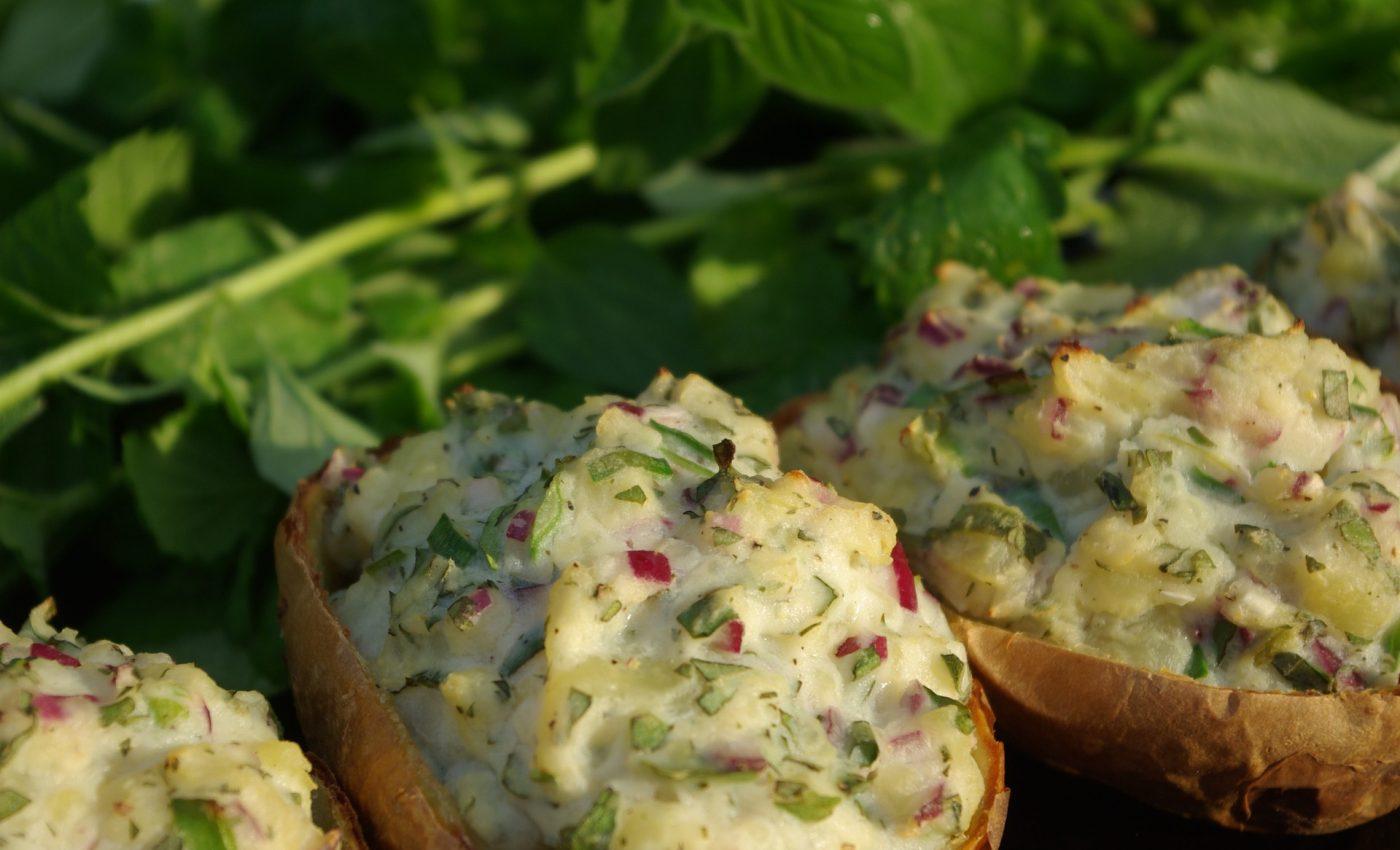 Cartofi umpluti cu branza si piept de curcan -sfatulparintilor.ro - pixabay_com - stuffed-potato-g51b3a4e95_1920