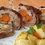 Pulpa de porc umpluta cu legume, imbracata in prapur