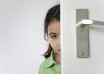 Cum sa ajuti un copil exagerat de timid