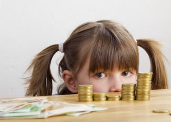 copii fura bani - sfatulparinitlor.ro - dreamstime_com