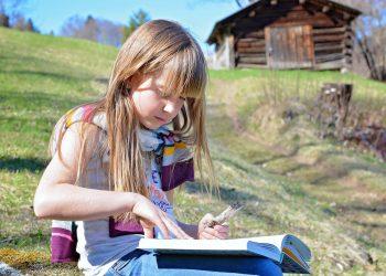 9 motive pentru care copiii au nevoie de povesti