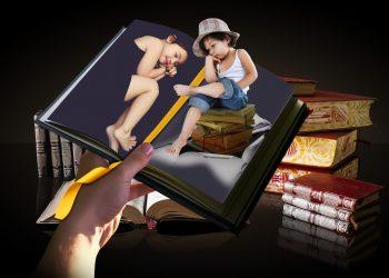 motive sa-i citesti copilului - sfatulparintilor.ro - pixabay-com - photo-montage-2115678_1920