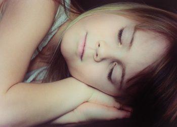 Riscuri la care e expus un copil care nu doarme