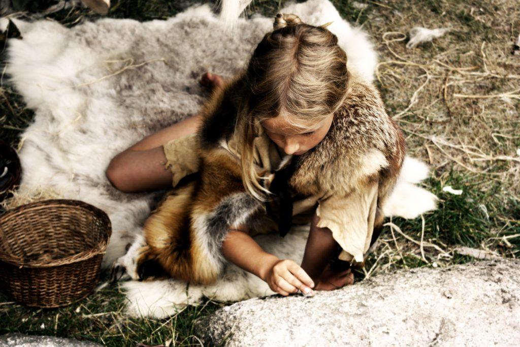 Sfaturi din Epoca de piatra pentru parinti - sfatulparintilor.ro - pixabay-com - girl-1980131_1920