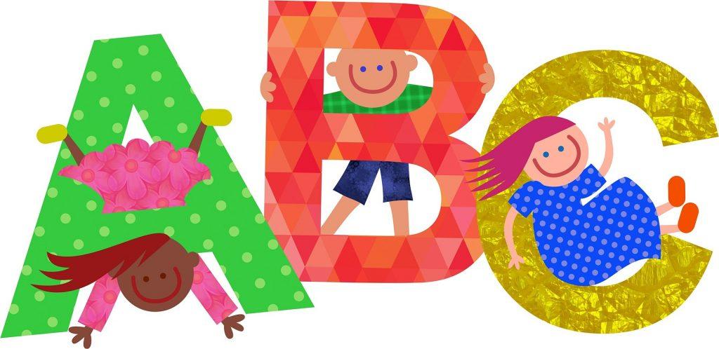 Invata-l pe cel mic alfabetul -sfatulparintilor.ro - pixabay_com - font-2111748_1920