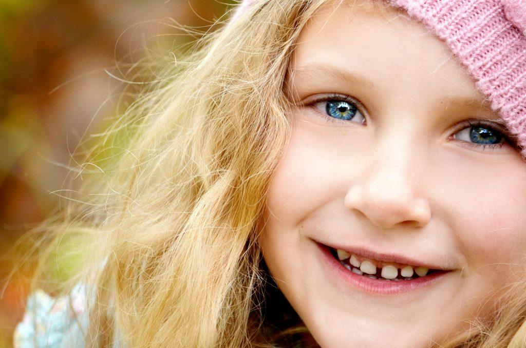 copii injuraturi - sfatulparintilor.ro - pixabay_com - child-476507_1920