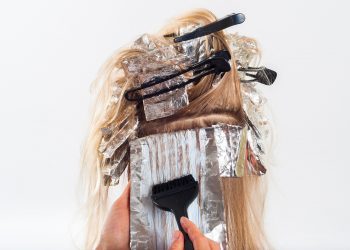 cum sa-ti vopsesti parul singura - sfatulparintilor.ro - pixabay-com - hair-1744959_1920