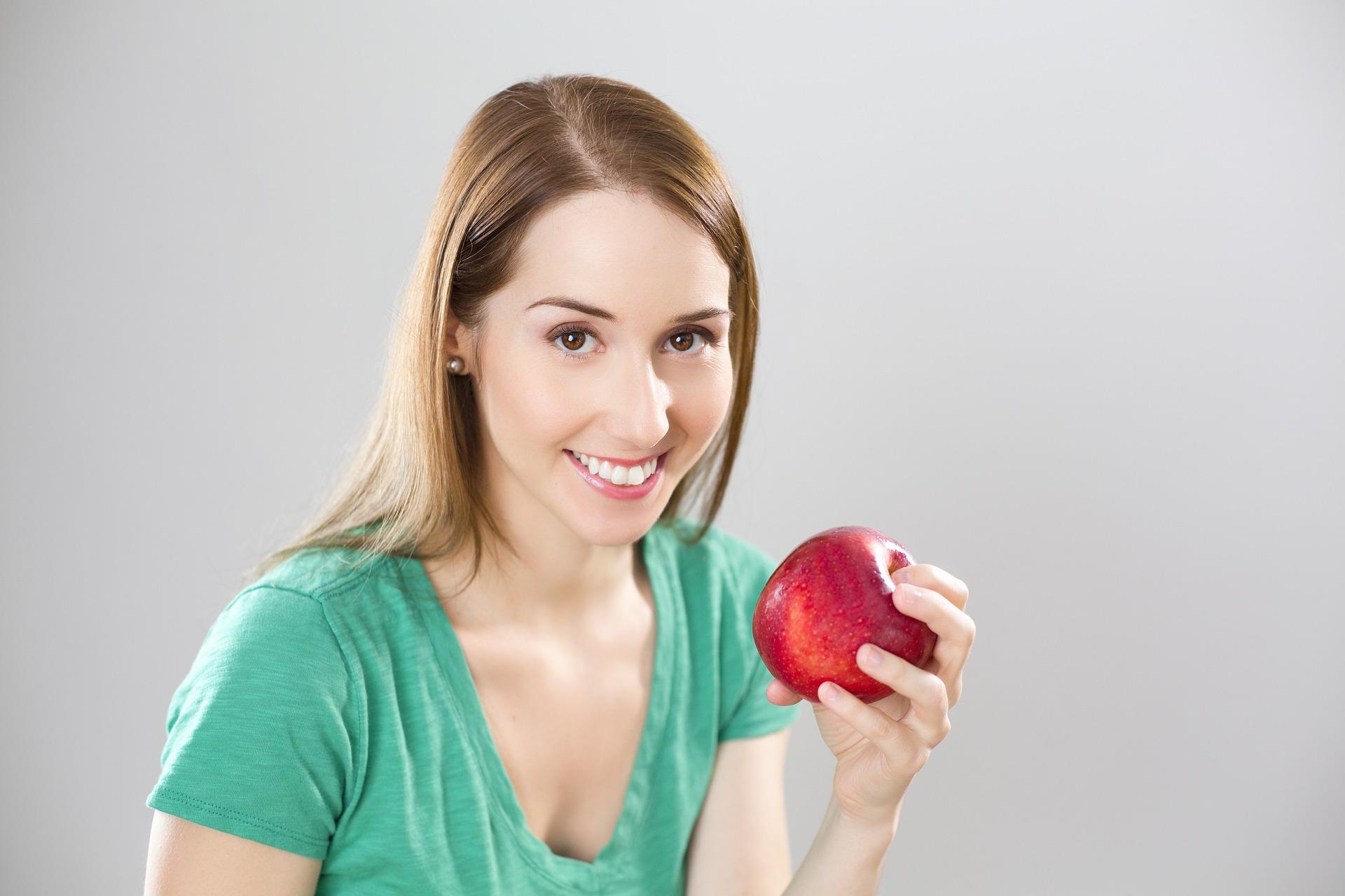 cum sa slabesti - sfatulparintilor.ro - pixabay_com - apple-841169_1920