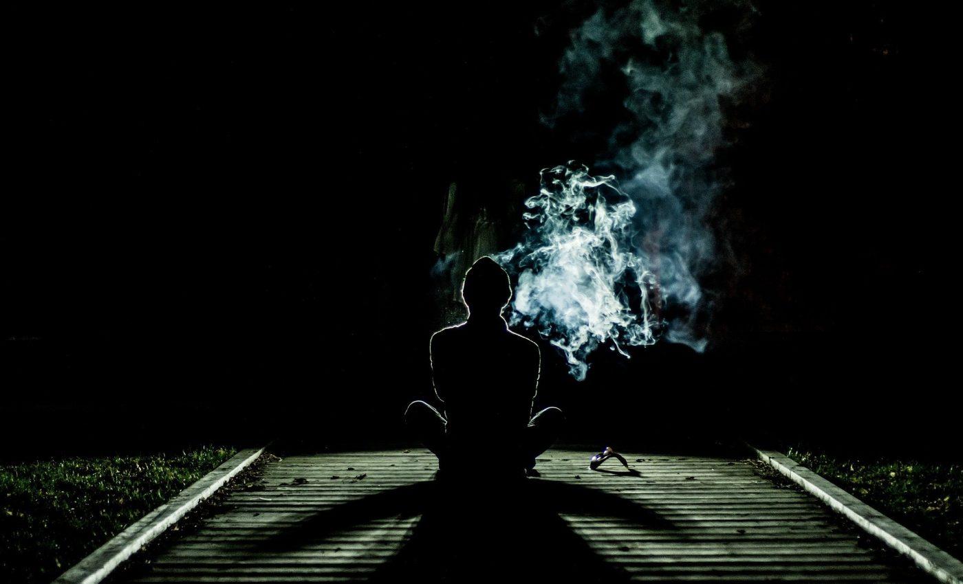 despre droguri - sfatulparintilor.ro - pixabay_com - smoke-1031060_1920